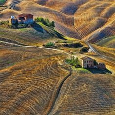 Tuscany by Linda Lazoroska