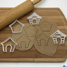 """5 Likes, 1 Comments - Francesca4me_OfftheHookbyMary (@francesca4me_offthehookbymary) on Instagram: """"New dog house cutters Dishwasher Safe #cookies #baking #cookie #dog #doghouse #cute #cookiecutter…"""""""