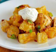 Un preparat apetisant, usor de gatit si foarte gustos sunt deliciosii cartofi la cuptor cu bacon si parmezan. Din ingredientele de mai jos se obtin in jur