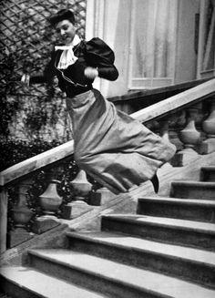 Jacques Henri Lartigue: Ma cousine Bichonnade, Paris, 40, Rue Cortambert, 1905