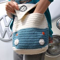 This crochet pattern is to make a Splitty Campervan Shoulder Bag approximately square. (Please note the instructions are written in UK terms but charts are included and there is just one main stitch - UK Double Crochet& Single Crochet). Crochet Double, Love Crochet, Bead Crochet, Crochet Crafts, Crochet Hooks, Single Crochet, Crochet Shell Stitch, Crochet Stitches, Crochet Patterns