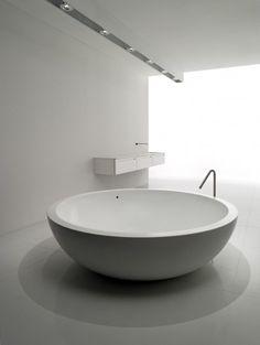 Fiumi collection, minimalist white bathroom _ by architect Claudio Silvestrin for Boffi.