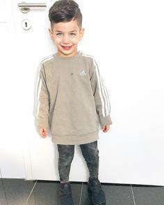 My Baby 👶🏻 #Diyan WERBUNG, da Marke erkennbar Toddler Boy Fashion, Toddler Boy Outfits, Outfits Niños, Kids Outfits, Baby Boy Dress, Cute Baby Pictures, Little Fashion, Hipster Babies, Stylish Kids