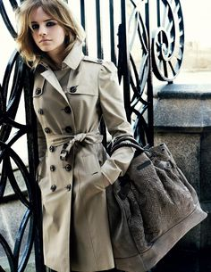 Emma Watson for Burberry. I am simply in love with Burberry trench coats! Burberry Coat, Burberry Prorsum, Burberry Classic, Burberry Outlet, Burberry Handbags, Cheap Burberry, Look Fashion, Winter Fashion, Fashion Outfits