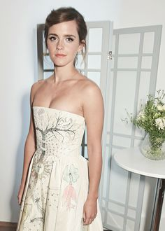 Emma Watson at the ELLE Style Awards in London (February 13, 2017) @lilyriverside
