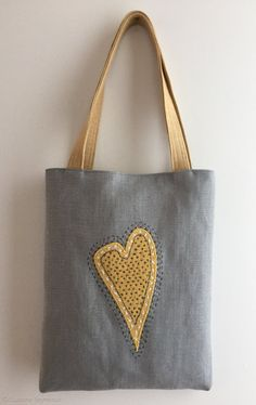 Linen heart tote bag with appliqué, Sashiko Hand embroidered tote, Valentine tote bag, mother's day