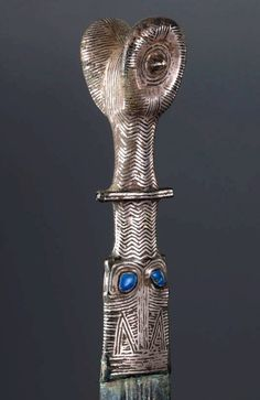 Celtic silver mounted lapis lazuli studded bronze sword, Iberian (Spain) Celts, century BC from Phoenix Ancient Art Ancient Art, Ancient History, Art Romain, Alexandre Le Grand, Hallstatt, Celtic Warriors, Celtic Culture, Swords And Daggers, Celtic Art