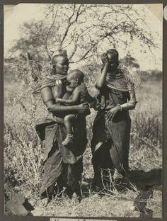 Masai women, Tanzania, ca.1929-1940 :: International Mission Photography Archive, ca.1860-ca.1960