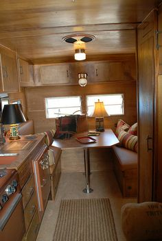1960 Yellowstone Vintage Trailer love the regular table lamps. Rv Travel Trailers, Vintage Campers Trailers, Retro Campers, Vintage Caravans, Camper Trailers, Tiny Trailers, Happy Campers, Camper Interior Design, Trailer Interior