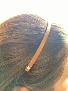The skinny leather headband DIY - Joanna Jenkinson - Leather Rivets, Leather Art, Leather Design, Diy Leather Headband, Diy Headband, Diy Leather Projects, Leather Diy Crafts, Leather Earrings, Leather Jewelry