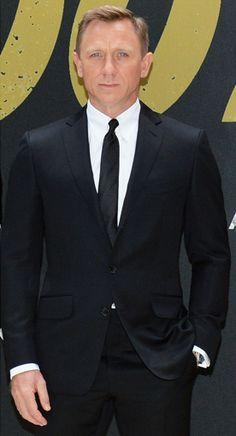 Daniel Craig wore a TOM FORD black 2 piece notch lapel O conner suit, white  shirt and black silk tie 2593729bec3d