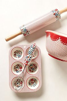 Filomena Baking Collection - I love everything about this baking set.