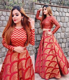 Boda Lehengas y Lehenga Choli Compras en línea - Torino Indian Fashion Dresses, Indian Gowns Dresses, Dress Indian Style, Indian Designer Outfits, Fashion Outfits, Wedding Dresses For Girls, Indian Wedding Outfits, Bridal Outfits, Indian Weddings