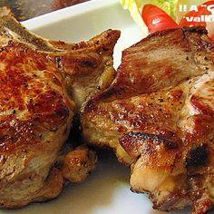 Si te gusta mucho la carne, te volverás loc@ con esta receta: chuletas de cerdo XXL, asadas