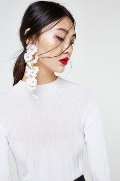 Pendientes largos de flores