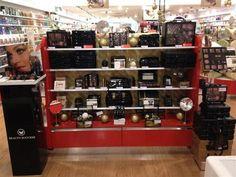 Les accessoires et maquillage de la collection Midnight Tentations, disponibles dans toutes les parfumeries Beauty Success.