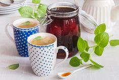 SIRUP Z RÝMOVNÍKU PROTI NACHLAZENÍ - Inspirace od decoDoma Atkins Diet, Health Advice, Moscow Mule Mugs, Mason Jars, Smoothie, Diy And Crafts, Coffee Maker, Food And Drink, Healthy Recipes