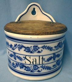 ♥ ~ ♥ Blue and White ♥ ~ ♥ Flow Blue Salt Crock Flow Blue China, Blue And White China, Red And White, Antique Stoneware, Stoneware Crocks, Blue Dishes, White Dishes, Objets Antiques, Spice Containers