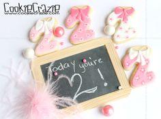 CookieCrazie: Bows N Frills Birthday Cookie Collection