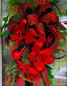 Christmas Wreaths Portfolio - Professional Wreath Designs Pool Noodle Christmas Wreath, Christmas Wreaths To Make, Christmas Swags, Christmas Ribbon, Diy Christmas Ornaments, Holiday Wreaths, Christmas Tree Decorations, Winter Wreaths, Rustic Christmas