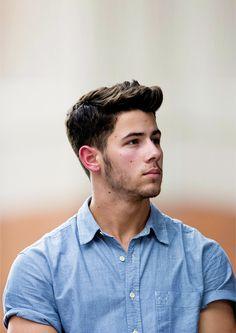 Nick ( amigo de quarto de Logan / lutador )