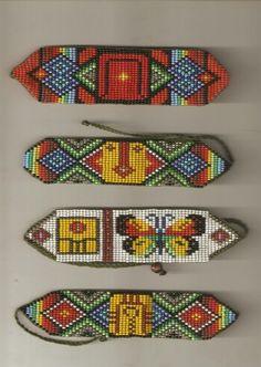 Sellos mayas en mostacilla
