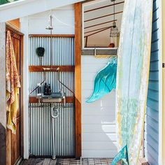 Outdoor bathroom perfection  Designer @celestetwikler has the most beautiful bohemian home that you can just tell is full of beautiful treasures from her travels  #byronbay  #thebathroomfiles #celesttwikler #byronbaybeach #designer #jewelrydesigner #houseinspo #outdoorshower #mermaidflippers #surf #surfboard #holiday #shower #bathroomideas #bathroombliss #stylist #photography #interiors #exteriors (RG: @taper_jean_girl) styled by @taper_jean_girl from @citizens__of__style for @reallivingmag…