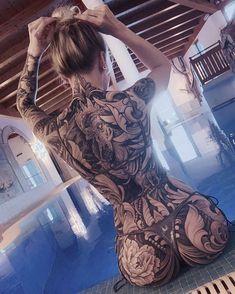 Black and gray tattoos back piece tattoo female, skull b. - Black and gray tattoos back piece tattoo female, skull back piece, back pie - Back Piece Tattoo Men, Pieces Tattoo, Backpiece Tattoo, Irezumi Tattoos, Hot Tattoo Girls, Tattoed Girls, Inked Girls, Hot Tattoos, Girl Tattoos