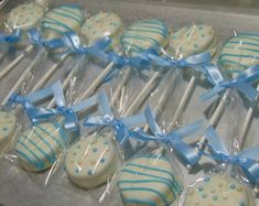 Blue or Pink Oreo Pops Baby Shower Chocolate Covered Oreo Pops Birthday Party Baby Shower Favor Oreo Pops 1 dozen - RESERVED for Elizabeth 3 dozen Oreo Pops w/ a White base 18 with Pink lines (irregular lines as sho - Baby Shower Azul, Idee Baby Shower, Baby Shower Treats, Fiesta Baby Shower, Pop Baby Showers, Shower Bebe, Baby Shower Desserts, Baby Shower Parties, Baby Shower Favors Boy