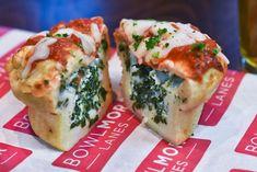 So zauberst du blitzschnell ein Dutzend Pizzas im Miniformat. Das ist DER Snack für unterwegs.