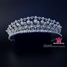 Bridal%20Wedding%20Tiaras%20Rhinestone%20Pearl%20Exquisite%20Crown%20Noble%20And%20Beautiful%20Princess%20Queen%20Headdress%20Pretty%20Girls%20Hair%20Accessories%2001628%20Bridal%20Weddind%20Tiara%20Hair%20Accessories%20Pearl%20Exquisite%20Noble%20And%20Beautiful%20Pretty%20Party%20Show%20Hairwear%20Online%20with%2028.58%2FPiece%20on%20Wahmeijewelry's%20Store%20%7C%20DHgate.com