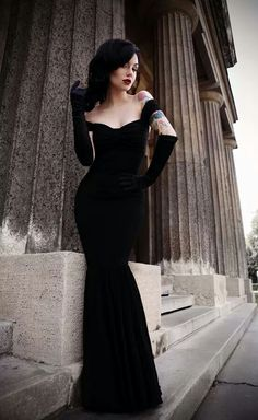 CRAVING MORE? check out my board 'evening gowns' to satisfy your craving