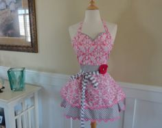 Strawberry Pie ~ Sadie Mae Style ~ Retro Red Sweetheart Womenu0027s Apron    4RetroSisters   Valentine Cute | Sewing | Pinterest | Apron, Jingle Bells  And Modern ...