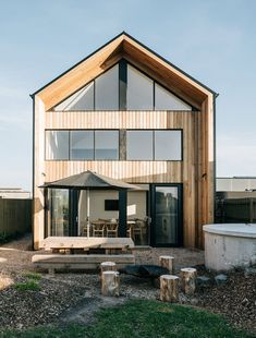 Bungalow – The Sociable Weaver Australian Architecture, Australian Homes, Bungalows, House In The Woods, My House, Small Wooden House, Modern Wooden House, Wooden House Design, Architecture Awards