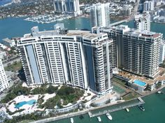 Belle Isle - Belle Isle is a neighborhood of South Beach in the city of Miami Beach on a barrier island in Biscayne Bay (Miami Beach, Florida)