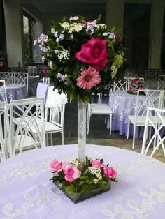 Modern Centerpieces, Flower Centerpieces, Flower Decorations, Wedding Centerpieces, Wedding Decorations, Table Decorations, Centerpiece Ideas, Church Flower Arrangements, Silk Floral Arrangements