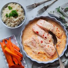Sweet chililax baked with rice, Food And Drinks, This recipe for salmon baked with rice is easy to cook and great! Suitable for adults and children alike. You can find the recipe on Tasteline. Salmon Recipes, Fish Recipes, Seafood Recipes, Healthy Recipes, Swedish Recipes, Sweet Chili, Recipes From Heaven, Clean Eating Snacks, Food For Thought