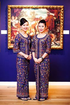 The reason for the Batik influence - Singapore (where I grew up) Airline Crew uniform Kebaya Dress, Batik Kebaya, Singapore Costume, Red Chief, Airline Cabin Crew, Hotel Uniform, Airline Uniforms, Kawaii Clothes, Summer Outfits Women