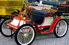 La Clement 1898, cette voiture ancienne fut fabriquée en 1898.