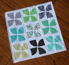 Free quilt pattern inspiration on the Eucalan blog.