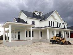36 modern farmhouse exterior design ideas