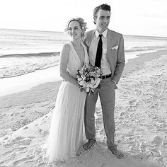The Good Wife's Jess Weixler Is Married – See Her Stunning Gown