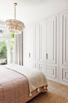 Bedroom Built In Wardrobe, Bedroom Closet Design, Home Room Design, Home Decor Bedroom, Home Interior Design, Wardrobe Doors, Dressing Room Design, Suites, House Rooms