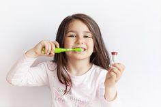 Dobra higiena jamy ustnej, właściwa dieta, regularne wizyty stomatologiczne są kluczowymi czynnikami w utrzymaniu zdrowego uzębienia u dziecka. Od tego jak będziemy dbali o zęby... PRZECZYTAJ Personal Care, Beauty, Diet, Beleza, Self Care, Personal Hygiene