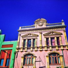 Newtown; the Grandeur of Sydneys Inner-West