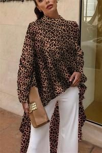 Autumn And Winter Fashion Color Leopard Irregular Blouse Looking for latest street style Blouse for women work Work Fashion, Fashion Pants, Fashion Dresses, Fashion Tips, Fashion 2018, Fashion Ideas, Fashion Check, Fashion Fashion, Latest Fashion