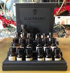 If you want to make your own creation here is the best kit you can use to become a real perfumer!! 👩🏻‍🔬👨🏼‍🔬 #galimard #perfumer #kit #howtobecomeaperfumer #grasse #france #perfume #art #creative #tripadvisorgreece #bestgiftever 🎁 Only at #rosinaperfumery 📍#giannitsopoulou6 #glyfada #athensriviera #athens #greece #shoppingonline : www.rosinaperfumery.com