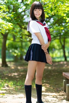 School Girl Japan, Japan Girl, Cute Skirts, Mini Skirts, Japan Outfit, Japanese School Uniform, Cute Japanese Girl, Oriental, Cute Asian Girls