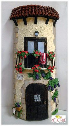 Rosabel manualidades: Cuadros: Tile Crafts, Clay Crafts, Decor Crafts, Diy And Crafts, Arts And Crafts, Clay Houses, Ceramic Houses, Miniature Crafts, Miniature Houses