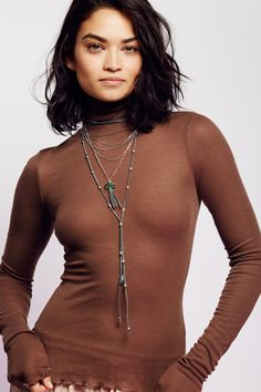good & looking : Photo Shanina Shaik Shanina Shaik, Australian Models, Layered Look, How To Look Better, Free People, Beaded Necklace, Delicate, Actresses, Turquoise